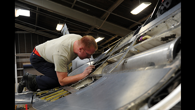Phase Shop Airmen oversee F-16 Preservation